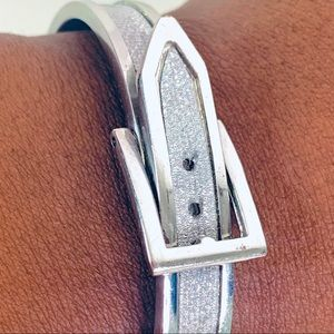 Bracelet in silver ( colour)